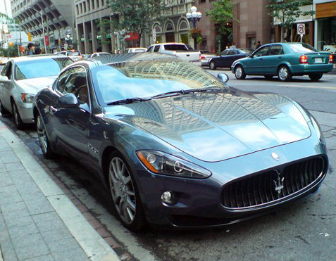 maserati_granturismo_in_light_blue_colour_2-568-426.jpg